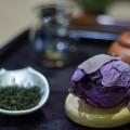 Thường thức trà ướp bông sen là một nghệ thuật vi diệu