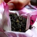 thưởng thức trà sen hồ tây