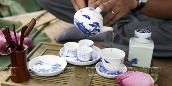 Văn hóa thưởng chè ướp sen Hà Nội