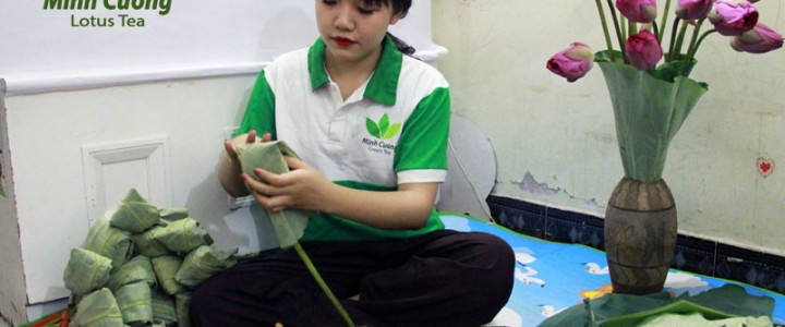 Trà ướp trong bông sen