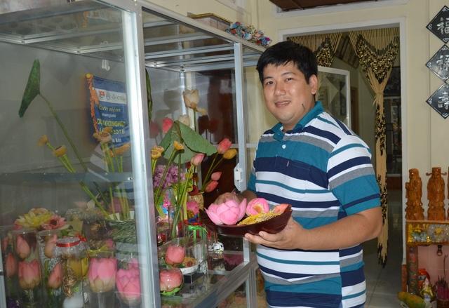 Ngô Chí Công và sản phẩm hoa sen sấy khô
