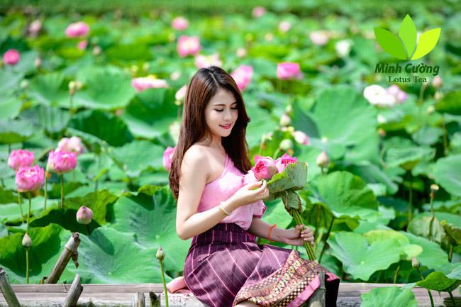Mimie Anisone chia sẻ, được lưu giữ tuổi thanh xuân bên hoa sen là kỷ niệm khó quên trong đời.
