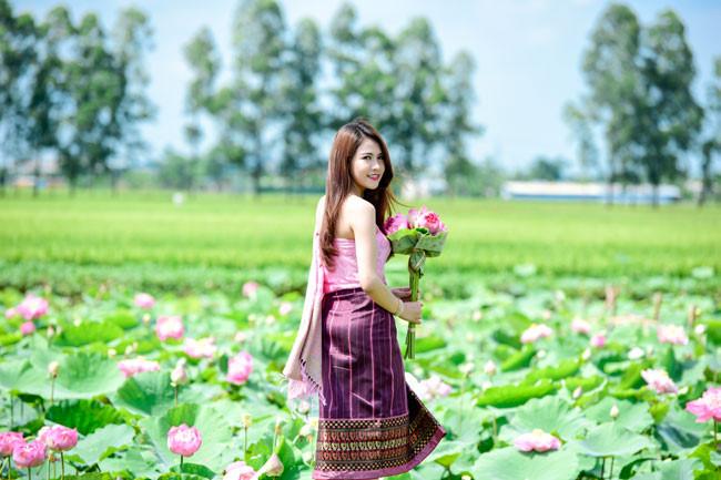 Mimie Anisone chọn Hà Nội, Việt Nam là điểm đến vì yêu mến phong cảnh và con người nơi đây.