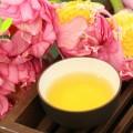 chén trà sen chứa đựng cả đất trời thanh tao, lắng đọng...