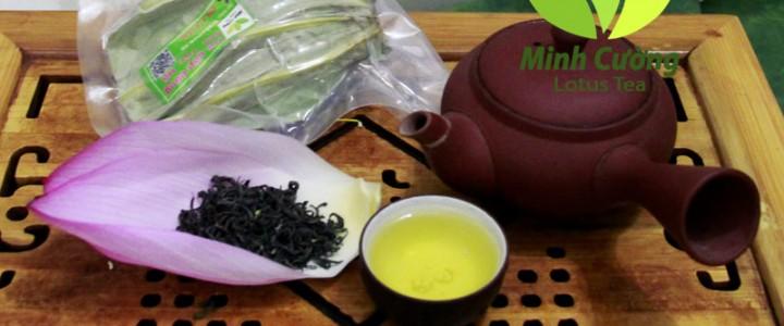 Chén trà ướp sen Hồ Tây