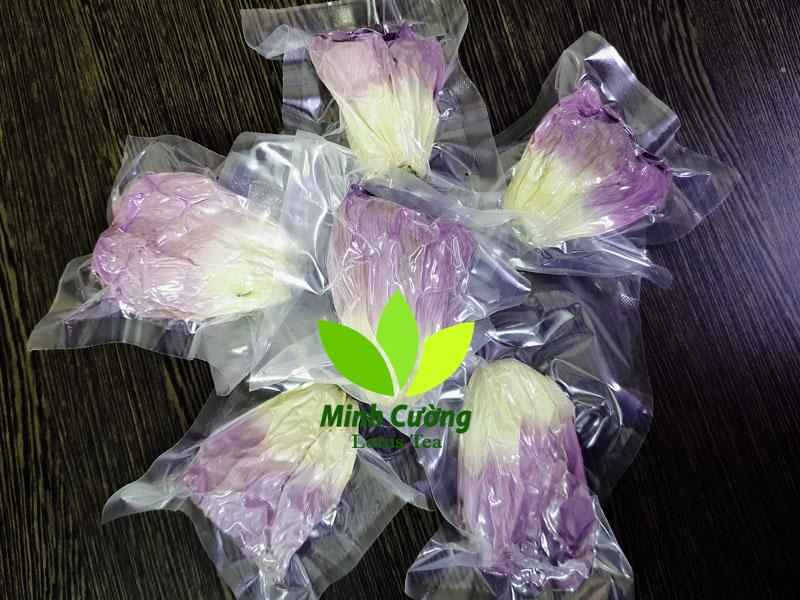 Sản phẩm Trà bông sen Tây Hồ cao cấp của Trà sen Minh Cường