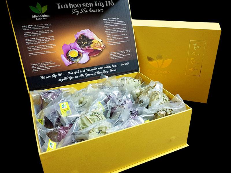 Hộp trà bông sen Tây Hồ cao cấp gồm 20 búp trà bông sen khô được đựng trong hộp sang trọng