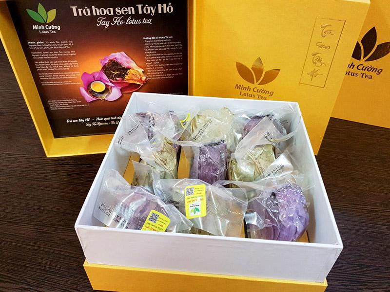 Hộp trà bông sen cao cấp với 10 búp sen khô